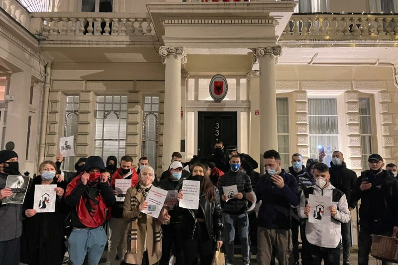 Protests over police killing of Covid curfew breaker